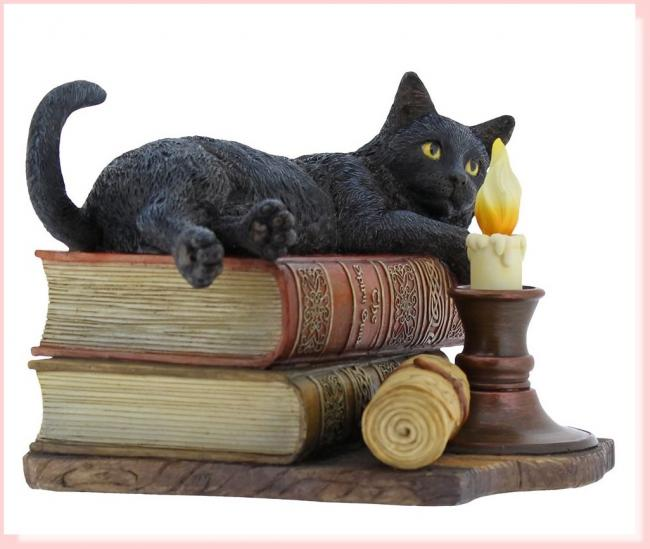The Witching Hour The Cat Atop Books Stack Premium Figure Diorama