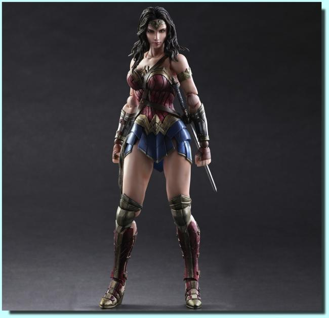 Wonder Woman Play Arts Kai Action Figure