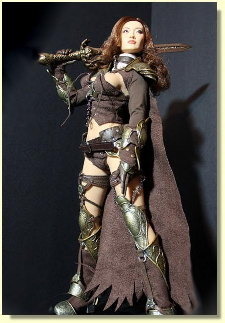 Huntress Brown Costume Sixth Scale Deluxe Collector Figure