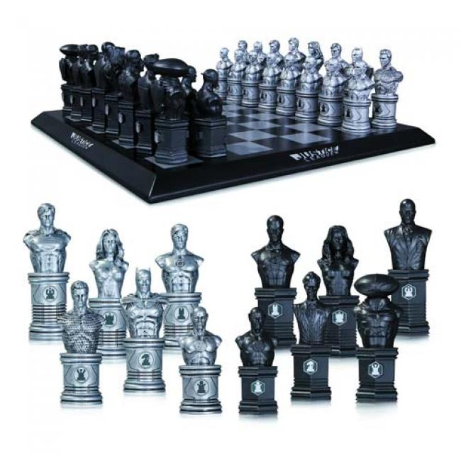 The Justice League vs. the Legion DC New 52 Chess Set  šachovnice