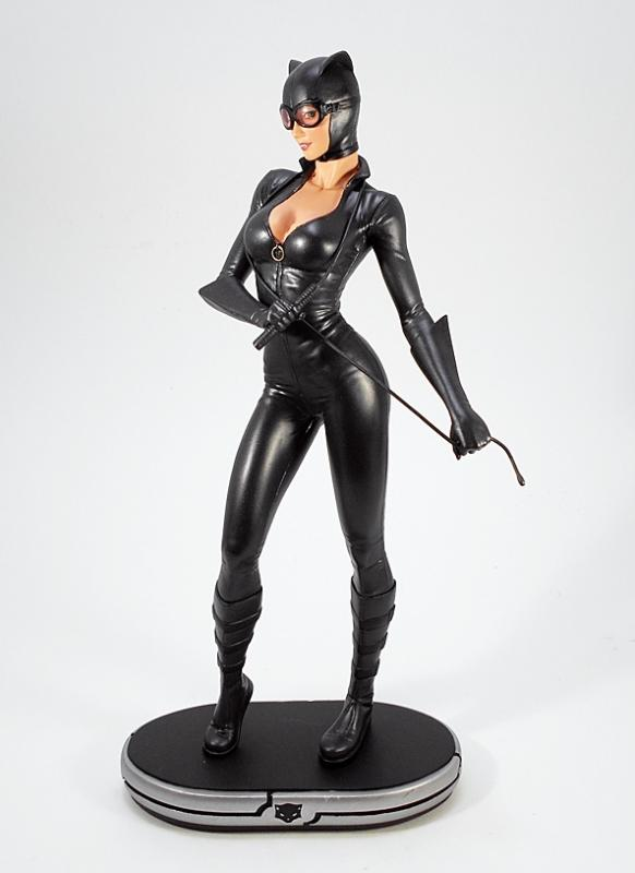 Catwoman Cover Girls Statue