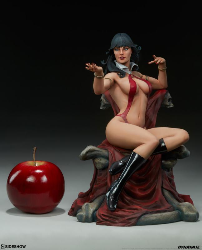 Vampirella Atop The Throne Exclusive Statue
