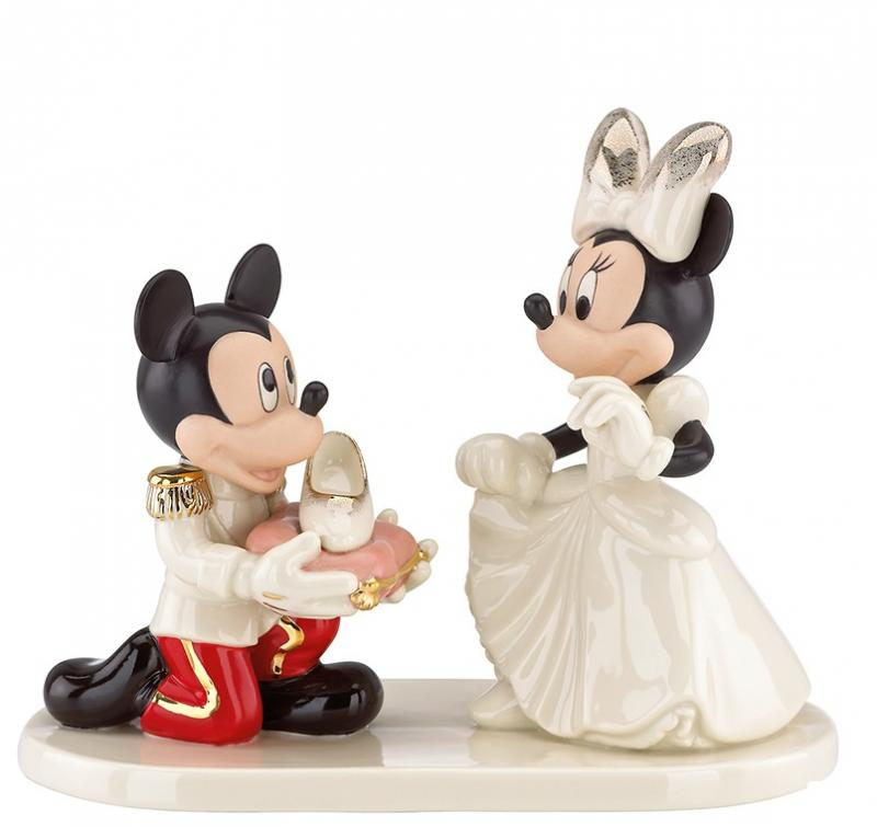 Mickey Mouse As Minnies Prince Charming Disney Statue Diorama