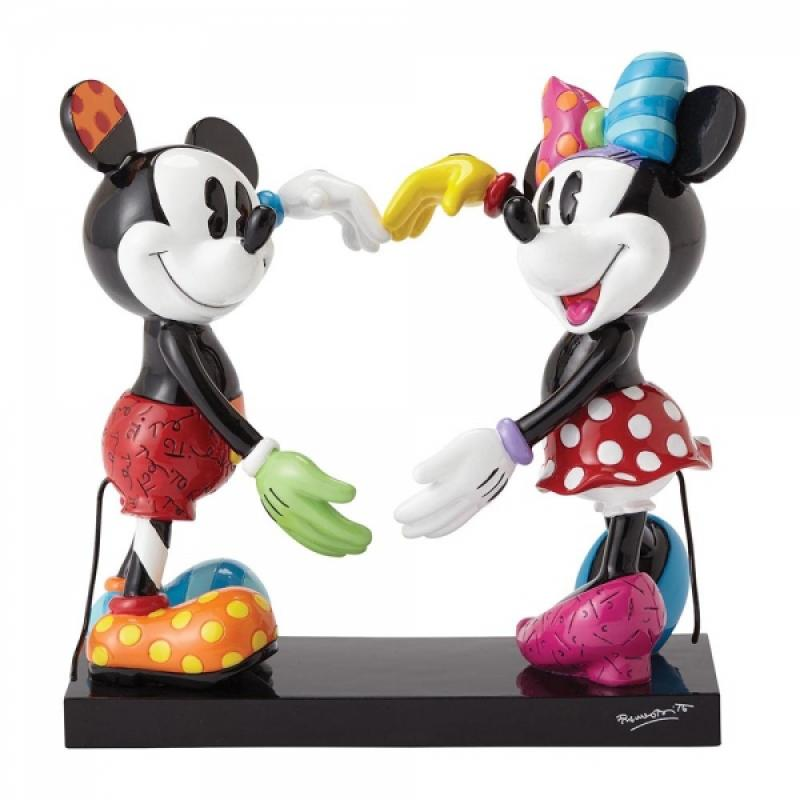 Mickey & Minnie The Heart Out of Open Arms Statue Diorama