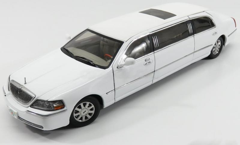 Lincoln Town Car Limousine 2003 White 1/18 Die-Cast Vehicle