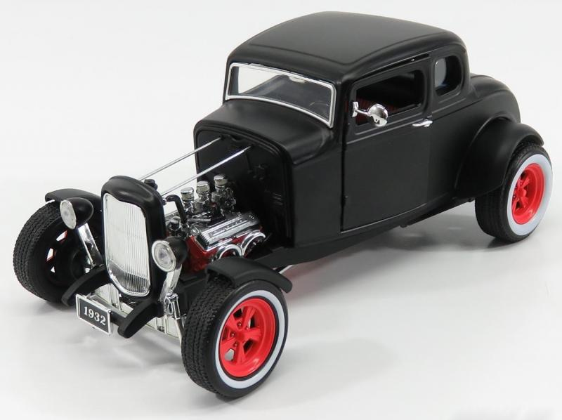 Ford HOT ROD 1932 Black 1/18 Die-Cast Vehicle