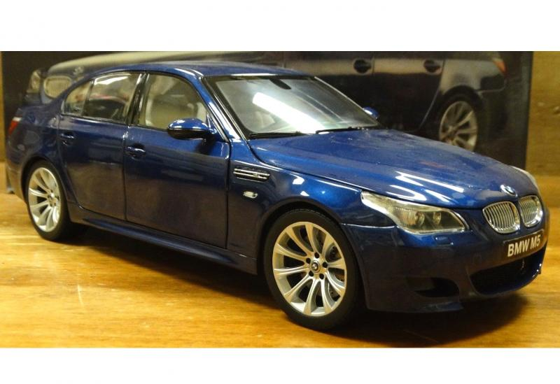 BMW M5 545i (E60) Sedan Dealer Blue 1/18 Die-Cast Vehicle