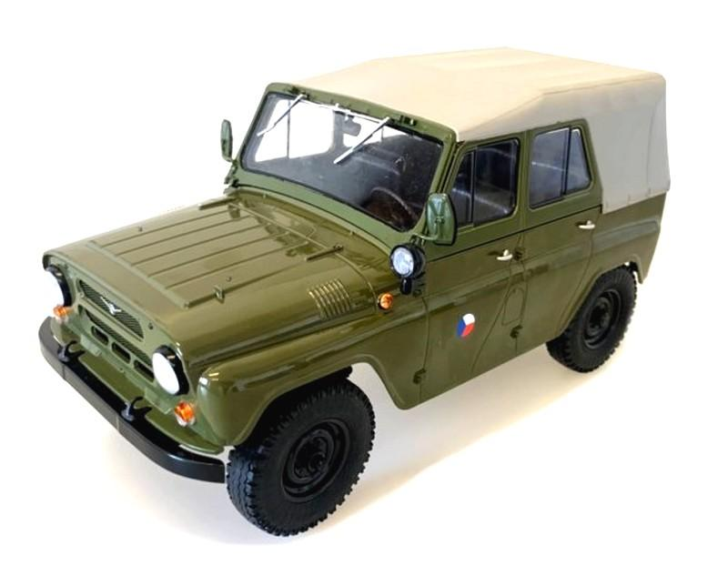 UAZ 469 ČSLA Off Road Army Livery 1/18 Die-Cast Vehicle model auta