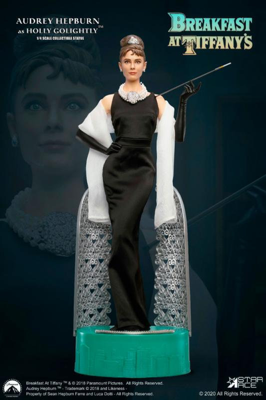 Audrey Hepburn AKA Holly Golightly The Breakfast at Tiffanys DELUXE Qurter Scale Collector Figure
