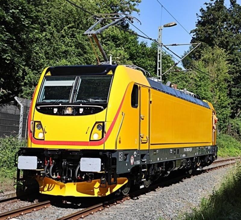 RegioJet a.s. #35700 388 201 P160 MS3 TRAXX Electric Locomotive for Model Railroaders Inspiration