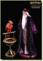 Albus Dumbledore and Fawkes the Phoenix The Harry Potter and the Sorcerers Stone Sixth Scale Harry Potter Figure