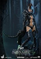 Alien Girl Xenomorph Sixth Scale Collectible Fgure
