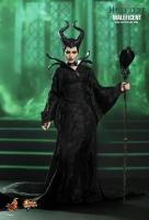 Angelina Jolie As Maleficent The Mistress of All Evil Sixth Scale Collectible Figure  Zloba královna černé magie