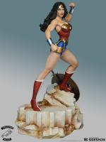 Wonder Woman Super Powers Maquette