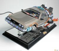 DeLorean Time Machine II Magnetic Levitating Collectible Vehicle