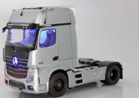 Mercedes-Benz Actros 2 Gigaspace 4x2 SZM FH25 Truck Hightech Silver 1/18 Die-Cast Vehicle