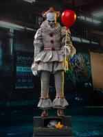 Pennywise The Stephen Kings It 2017 Sixth Scale Collector Figure