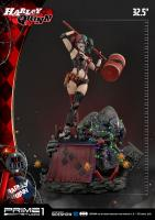 Harley Quinn Atop The LED-Lit Dynamite-Themed Base DELUXE DC Comics Statue