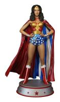 Wonder Woman In Cape The DC Comic Maquette