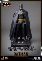 Michael Keaton As BATMAN 1989 Sixth Scale Collectible Figure