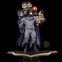 Batman The Family DC Comics Q-Master Figure Diorama (Robin, Red Hood, Batgirll, Red Robin, Nightwing)