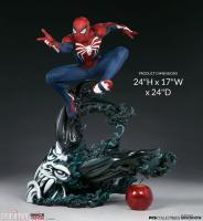 Peter Parker As Spider-Man Advanced Suit Third Scale Statue Diorama
