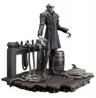 Nosferatu The Vampire Par Excellence The Coming on Board Statue
